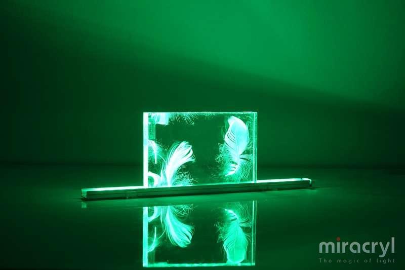miracryl® acrylic couture vento green